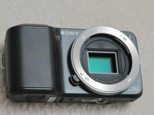 Sony NEX-3 Micro Third DSLR Digital Camera 14.2MP + E 18-55mm F3.5-5.6 OSS lens HD Movie