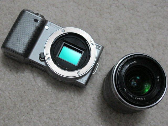 Sony NEX-5 Micro Third DSLR Digital Camera ASPC 14.2MP + E 18-55mm F3.5-5.6 OSS lens HD Movie