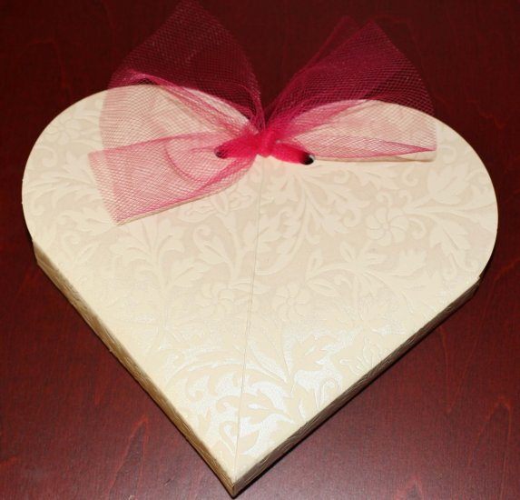 Heart Box With Mini-Notecard ($2.25 with any purchase)