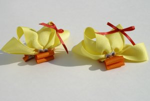 New 2 BOUTIQUE Hair clips bows Yellow DUCKs Hair accessories www.absolutelydaisy.ecrater.com
