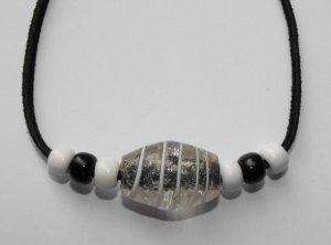 White & Black Necklace #N004