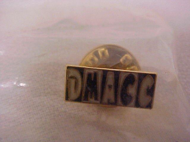 D M A C C   Pin-Pins