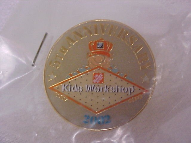 5th. Anniversary The Home Depot 2002  Pin-Pins