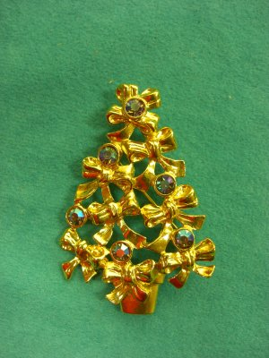 Vintage Signed AVON Christmas Tree Aurora Borealis Brooch