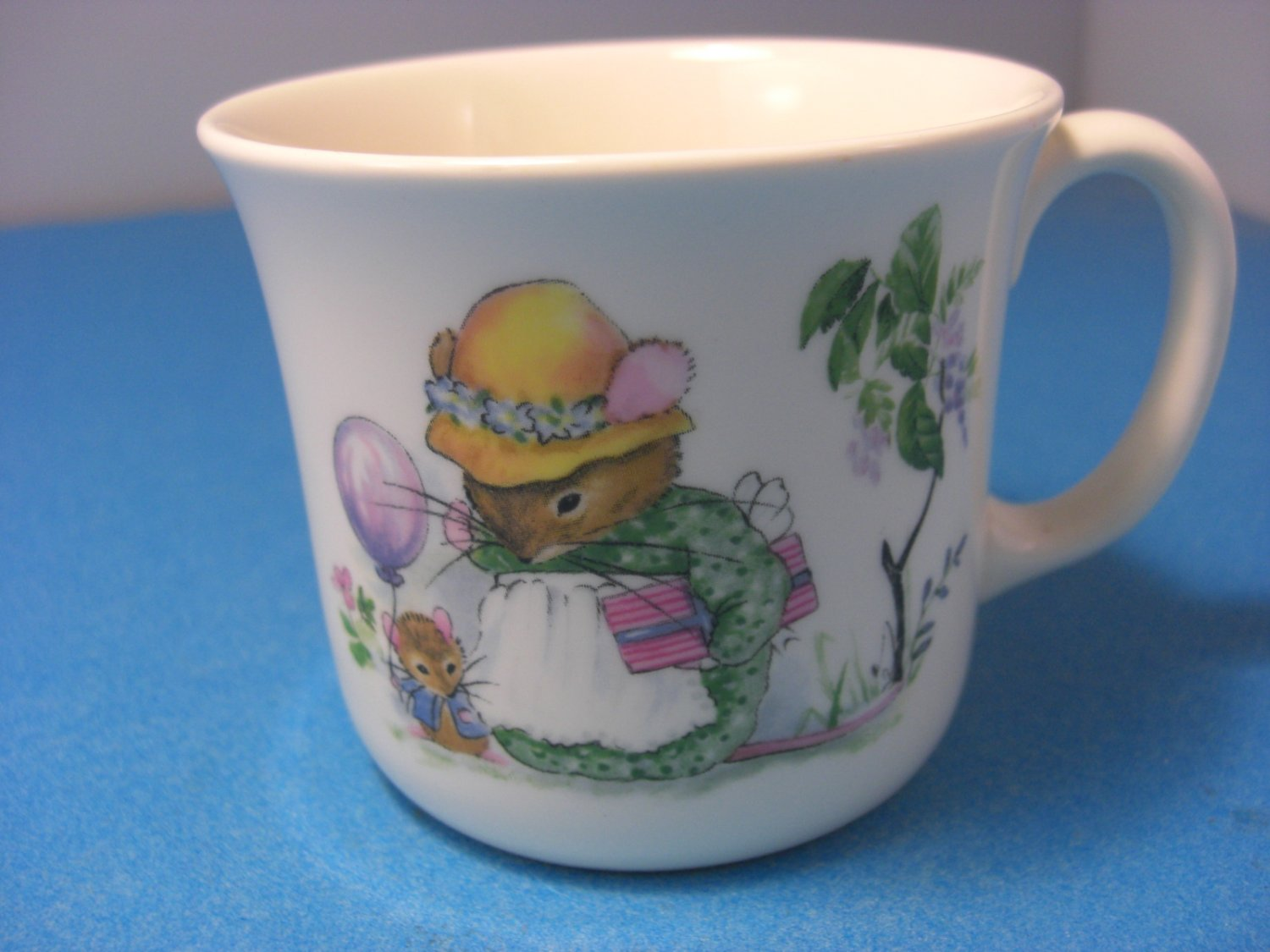 Royal kent child 39 s cup staffordshire bone china mouse for Mode in england