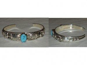 Unique sterling silver bracelet with leaf design