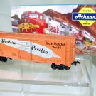 Athearn  HO Scale  WP  40FT.  Full Feather Box Car#W.P.1961