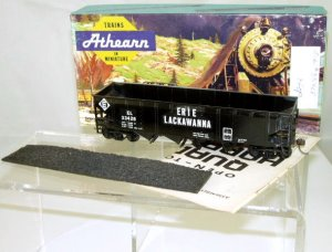 Athearn  HO Scale  EL  40FT.  Open-Top Quad Hopper With Load#EL33428