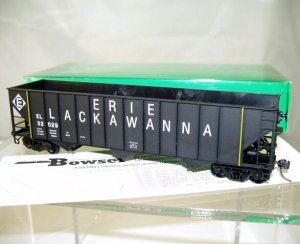 Bowser  HO Scale  EL  45FT.  100 Ton  3-Bay  12-Panel Hopper#EL32029