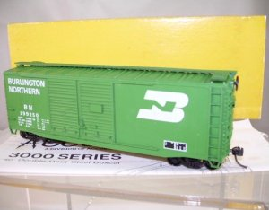 Accurail  HO Scale  BN  40FT.  Double-Door AAR Box Car#BN199250
