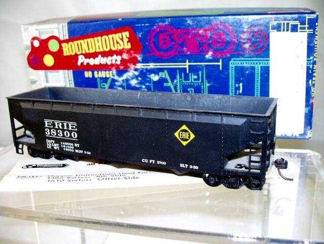 Roundhouse  HO Scale  EL  Open-Top 3-Bay Offset-Side Hopper#38300