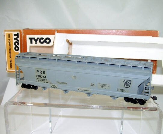 Tyco  HO Scale  PRR  54FT. Center-Flow Covered Hopper#259761