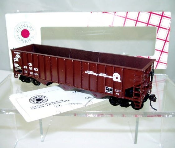 Stewart Hobbies  HO Scale  CR  40FT.  70-Ton  14-Panel  Triple Hopper#CR495183