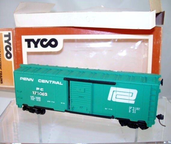 Tyco  HO Scale  Penn Central  40FT. Single-Door Boxcar#PC171062