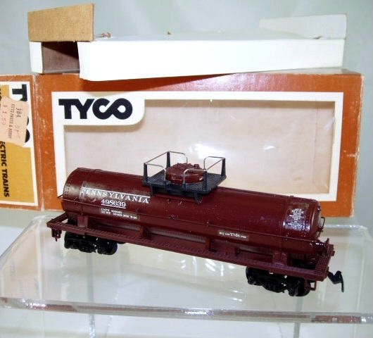 Tyco  HO Scale  PRR  40FT. Chemical Tank Car#498639