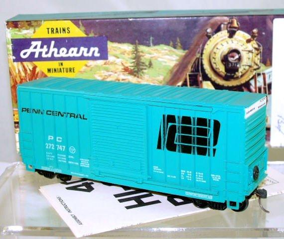 Athearn  HO Scale  Penn Central  40FT. Outside_Braced High-Cube Box Car#PC272747