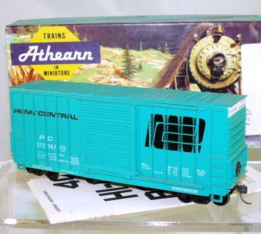 Athearn  HO Scale  Penn Central  40FT. Outside_Braced High-Cube Box Car#PC272741