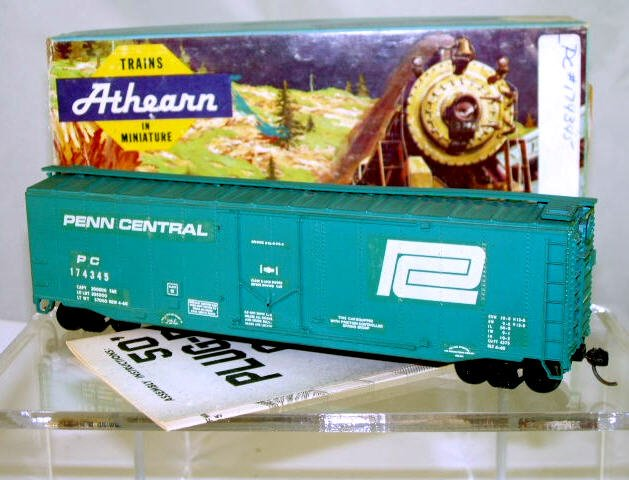 Athearn  HO Scale  Penn Central  50FT. Smooth-Side Plug-Door Box Car#PC174345