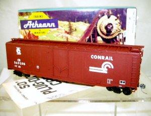 Athearn  HO Scale  Conrail  50Ft. Smooth-Side Plug-Door Box Car#CR369205