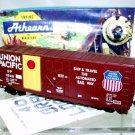 Athearn  HO Scale  Union Pacific  40Ft. Grain-Loading Box Car#UP113218