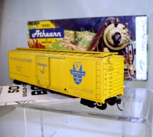 Athearn  HO Scale  Delaware&amp;Hudson  50Ft. Single-Door Box Car#D&amp;H27020