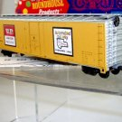 Roundhouse HO Scale  Union Pacific  50Ft. Plug-Door Automated Box Car#UP499842