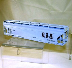 Athearn Bev-Bel Corp. HO Scale  Seaboard CSX  55Ft. ACF Center Flow Covered Hopper Kit#SBD194673