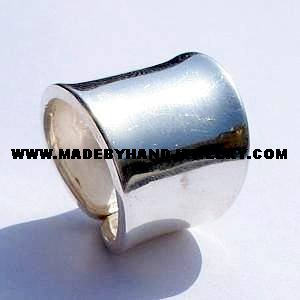 .950 Silver Cylinder Ring