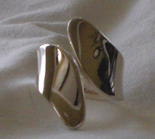 Simple Yet Elegent 100% Genuine Sterling Silver* Ring