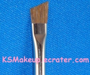 M�A�C-SMALL ANGLE BRUSH #266