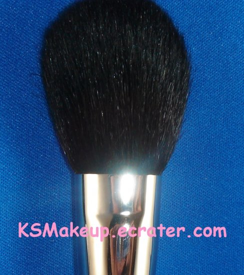 M�A�C - LARGE POWDER BRUSH # 150