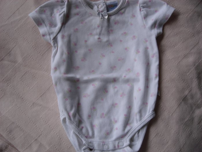 Pink flowered girl's onesie 9-12 months by Disney Baby