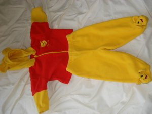Adorable Winnie the pooh outfit neutral 6-9 months