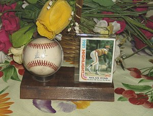 Nolan Ryan Houston Signed Ball with 5 No-Hitter Card 1981