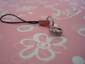 THE QUEENS ROYAL COACH DESIGNER CHARM A ROYAL QUEENS CROWN CELL PHONE LANYARD