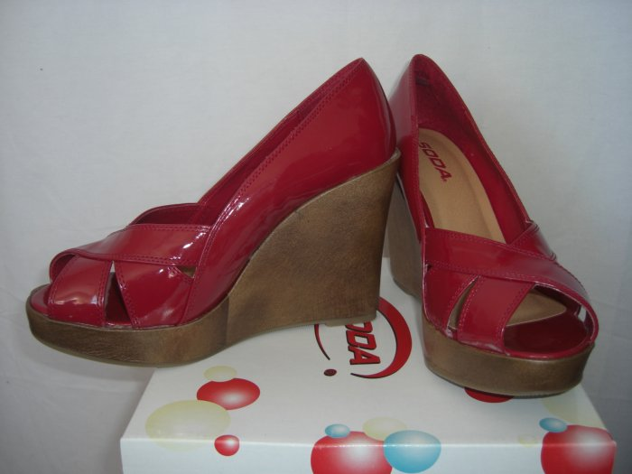 NIB Open Peep Toe Red Patent Vegan Platform Wedge Sandal 8.5