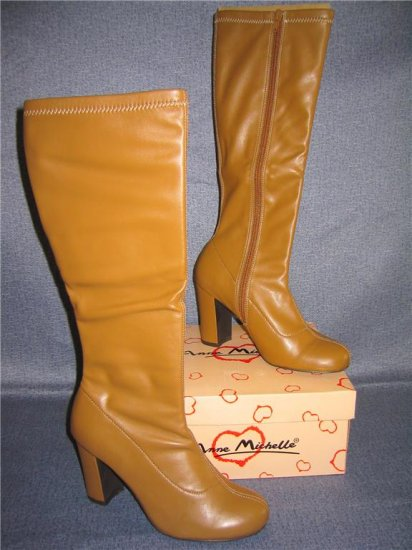 NIB Stretch faux leather Camel Round Toe Knee Boot 5.5