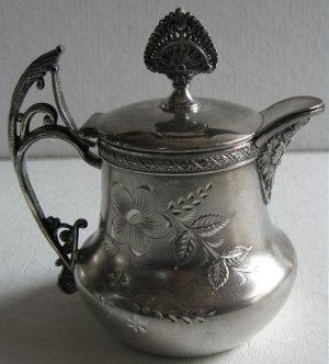 Victorian Albany Silverplate Syrup Pitcher Jug 5102 Ornate Finial Spout Floral Bright Cut