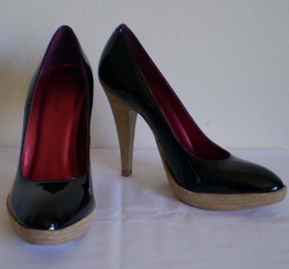 Nine  West  Yarrow  Black  Leather Heels Pumps new size 7.5