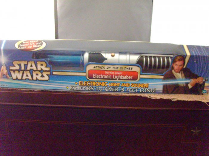 Star Wars Obi Wan Kenobi AOTC Attack Of The Clones Blue Electronic Lightsaber M