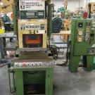 Newbury 30 Ton Vertical Injection Molding Machine