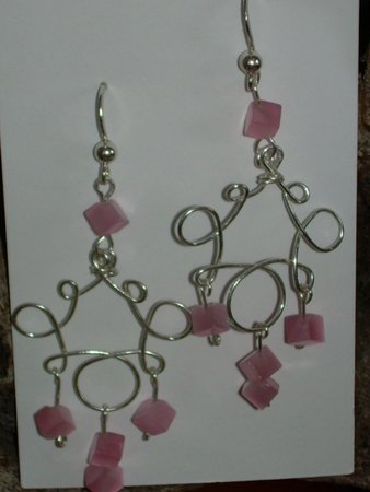 loops with pink cubes