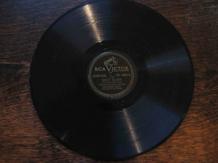 "Tommy Dorsey & His Clambake Seven 78 rpm record, ""Sweet Eileen"" b/w ""There's No One but You"""