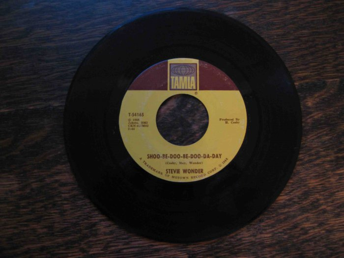 """Stevie Wonder 45rpm, """"Shoo-Be-Doo-Be-Do-Da-Day"""" b/w """"Why Don't You Lead Me to Love"""" (1968, Motown)"""