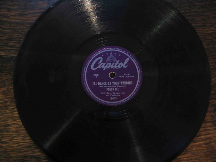 """Peggy Lee 78rpm single, """"I'll Dance at Your Wedding"""" b/w """"Golden Earrings"""" (1947?)"""
