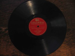 "Frankie Yankovic 78 rpm polka single, ""Three to Right, Three to Left"" b/w ""Vadnal Waltz"""