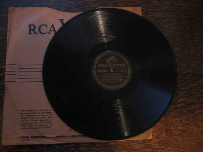 "Spike Jones 78rpm single, ""The Glow-Worm"" b/w ""Hawaiian War Chant"""