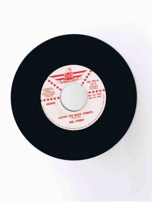 "Mel Street 45 rpm Nashville country single, ""Lovin' on Back Streets"" (1972)"