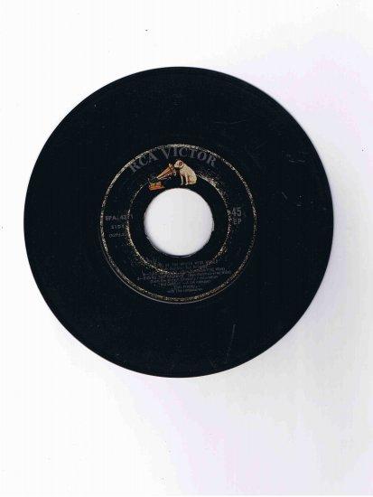 """Elvis Presley 45 rpm EP, six songs from """"Kid Galahad"""""""