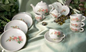 Child Porcelain 17 Piece Tea Set